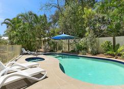 Chez Noosa Resort Motel - Sunshine Beach - Pool