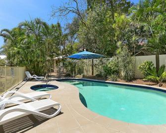 Chez Noosa Resort Motel - Sunshine Beach - Басейн