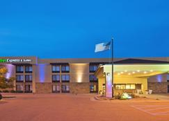 Holiday Inn Express Hotel & Suites Colby - Colby - Edifício