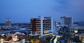 Grandhika Pemuda Semarang Hotel - Semarang