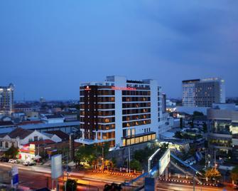 Grandhika Hotel Semarang - Semarang - Outdoors view
