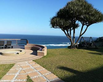 Beach Retreat Guest House - Amanzimtoti - Beach