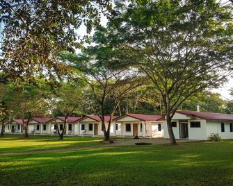 Roaring River Golf and Accommodations - Belmopan - Gebouw