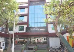 Hotel S K Crown Park - New Delhi - Toà nhà