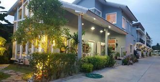 La'Moon Resort - Sattahip