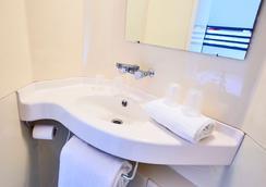 Première Classe Conflans-Sainte-Honorine - Conflans-Sainte-Honorine - Bathroom