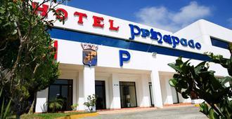 Hotel del Principado Tijuana Aeropuerto - Tijuana - Gebäude
