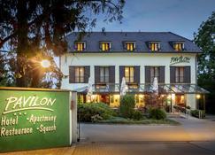Hotel Pavilon - Říčany - Toà nhà