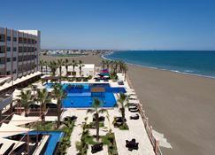 Radisson Blu Hotel, Sohar - Sohar - Pool