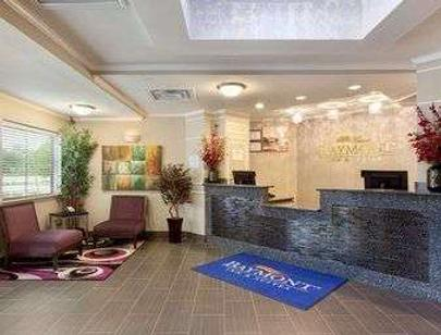 Baymont by Wyndham College Station - College Station - Front desk