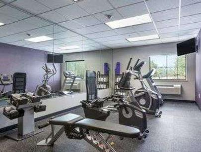 Baymont by Wyndham College Station - College Station - Gym