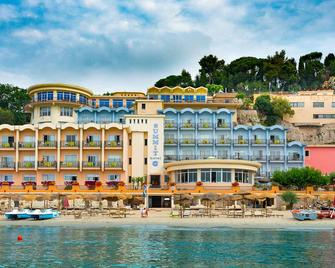 Summit Hotel - Gaeta - Edificio