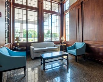 Red Roof Inn & Suites Wilmington - New Castle - New Castle - Лаунж