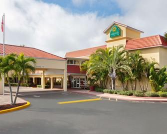 La Quinta Inn Cocoa Beach-Port Canaveral - Cocoa Beach - Building