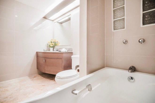 Phachara Suites Sukhumvit - Bangkok - Bathroom