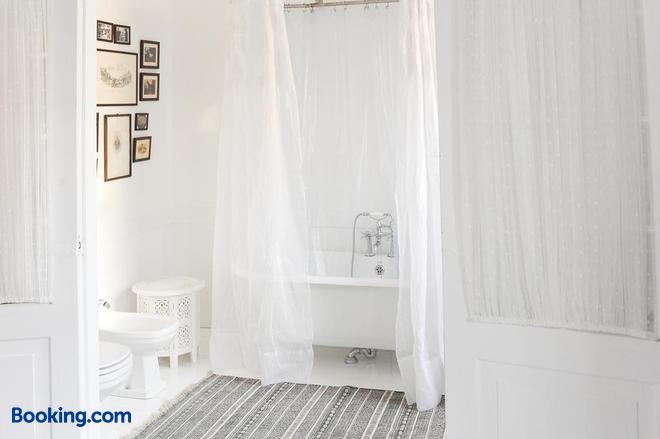 Mo House - Porto - Bathroom