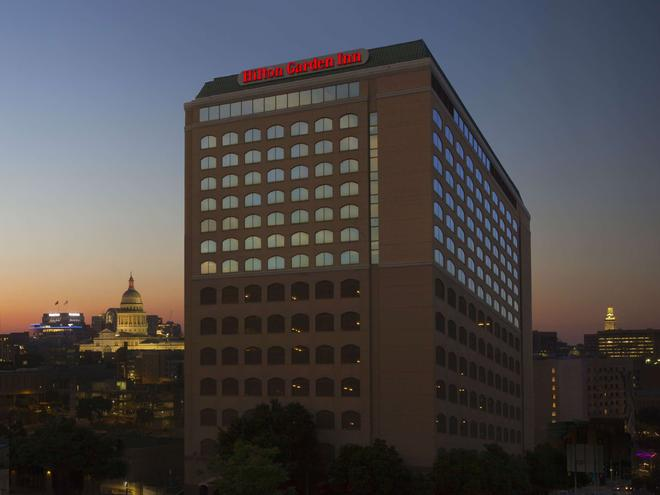 Hilton Garden Inn Austin Downtown/Convention Center, TX - Austin - Building