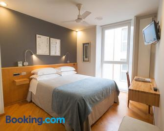 Hotel Zarampallo - Ourense - Bedroom