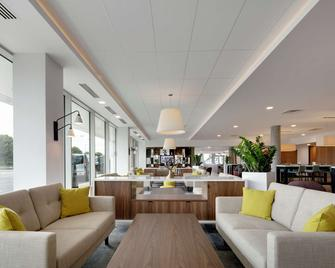 Hampton by Hilton London Stansted Airport - Stansted - Lobby