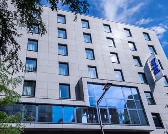 Park Inn by Radisson Luxembourg City - Luxembourg - Building
