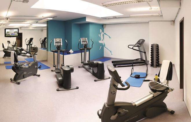 Park Inn by Radisson Luxembourg City - Luxemburgo - Gym