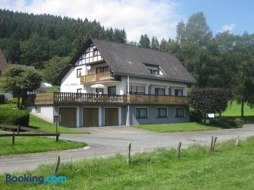 Pension Gastehaus Waldhof - Winterberg - Building