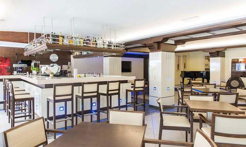 Hotel Torre Azul & Spa - Adults Only - El Arenal - Bar
