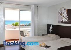 Hôtel La Plage - Sainte-Maxime - Bedroom