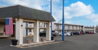 Rodeway Inn - Dubuque