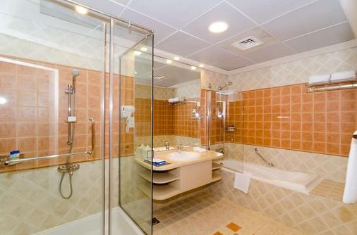 Roda Beach Resort - Dubai - Phòng tắm