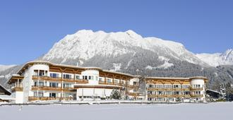 Best Western Plus Hotel Alpenhof - Oberstdorf - Building