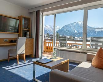 Best Western Plus Hotel Alpenhof - Oberstdorf - Sala de estar