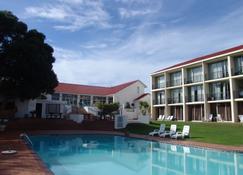 野地海灘水療酒店 - 沃爾德尼斯 - 荒野 - 游泳池