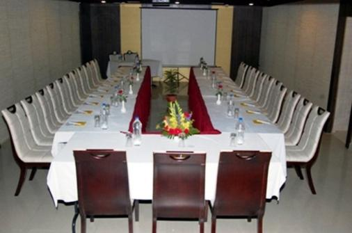 Hotel The Continental - Lucknow - Phòng họp