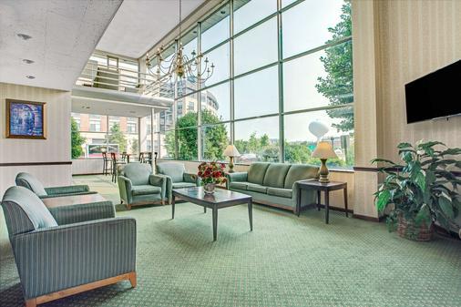 Days Inn by Wyndham Arlington/Washington DC - Arlington - Business center