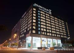 Golden Tulip Incheon Airport Hotel & Suites - Incheon - Building