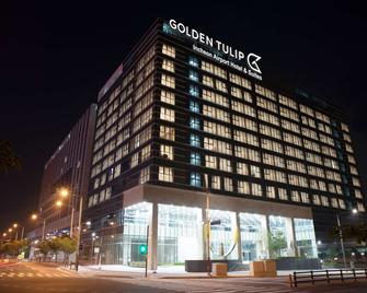 Golden Tulip Incheon Airport Hotel & Suites - Incheon - Building