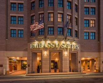 Embassy Suites by Hilton Alexandria Old Town - Alexandria - Building