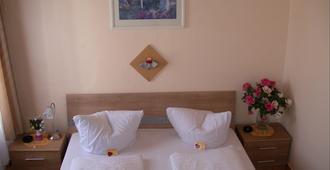 ホテル ガルニ ジャラン - オッフェンバッハ - 寝室