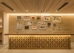 Hotel Wbf Art Stay Naha Kokusai-Dori - Naha - Rezeption