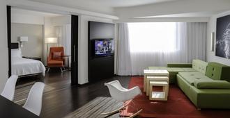 Fiesta Inn Monterrey Valle - Monterrey - Living room