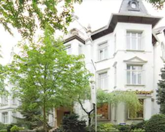 Hotel Spöttel - Bad Nauheim - Building