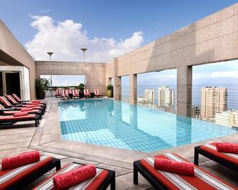 فندق جيفينور روتانا - بيروت - حوض السباحة