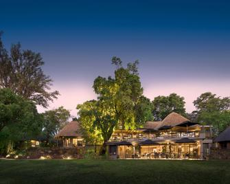 The Stanley And Livingstone Boutique Hotel - Victoria Falls - Gebouw