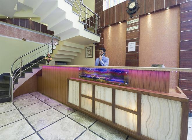 Hotel Heritage Inn - Vārānasi - Front desk