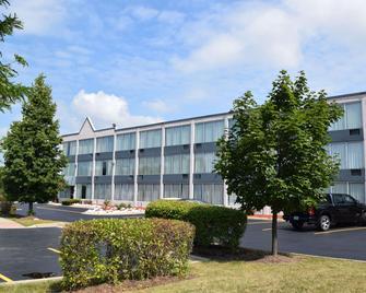Baymont by Wyndham Addison - Addison - Building