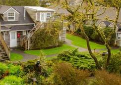 Ecola Creek Lodge - Cannon Beach - Outdoor view