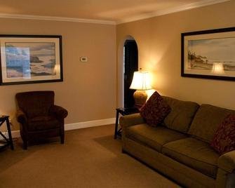 Ecola Creek Lodge - Cannon Beach - Living room