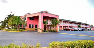 Flamingo Motel - Okeechobee - Building