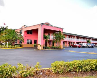 Flamingo Motel - Okeechobee - Building